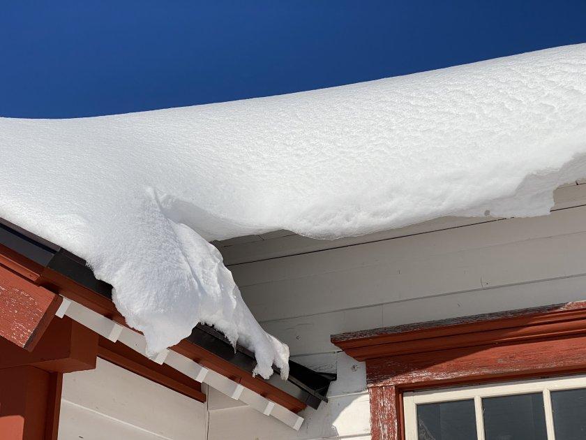 Snow hazard!