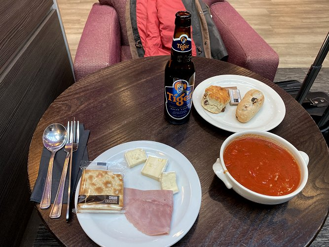 Lounge lunch