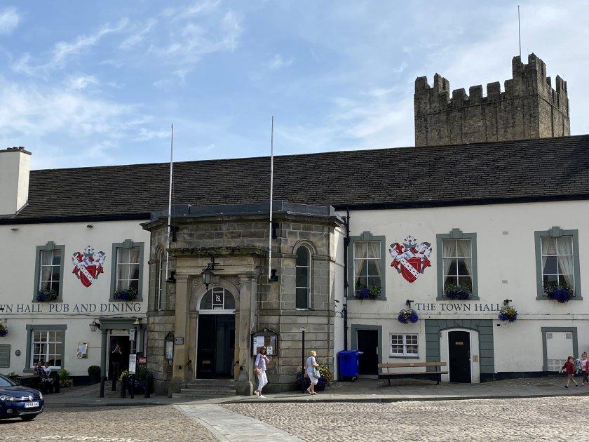 'Richmond Town Hall' is a wedding venue