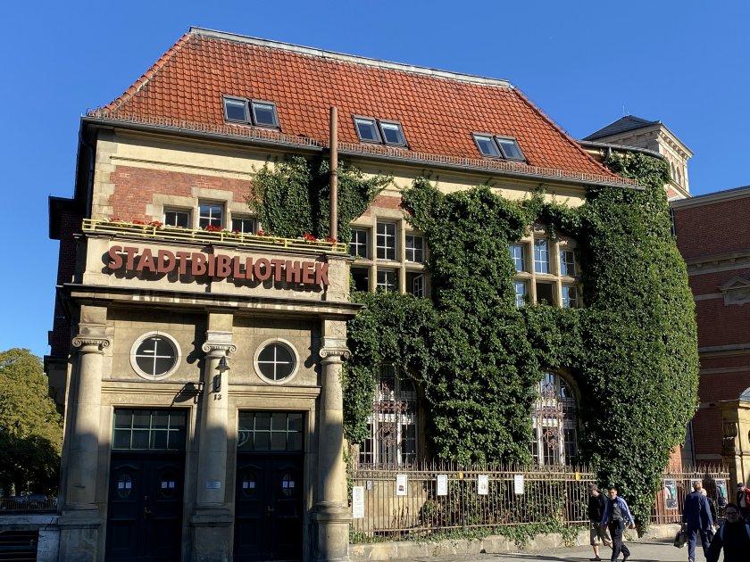 Spandau Library