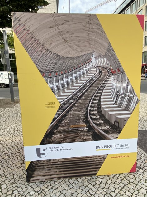 This poster advertises the coming U5 extension to the city's U-Bahn network