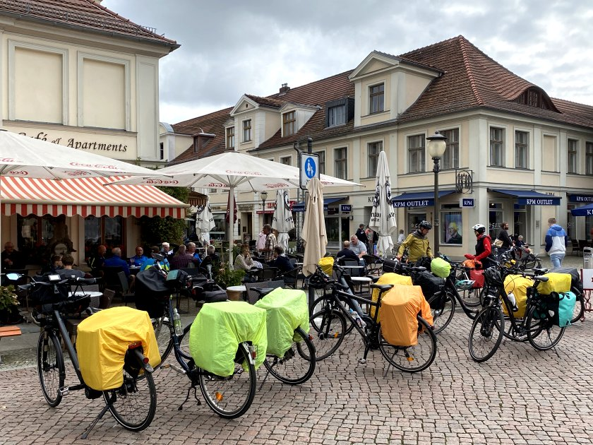 Colourful bikes at the western end of Brandenburger Straße