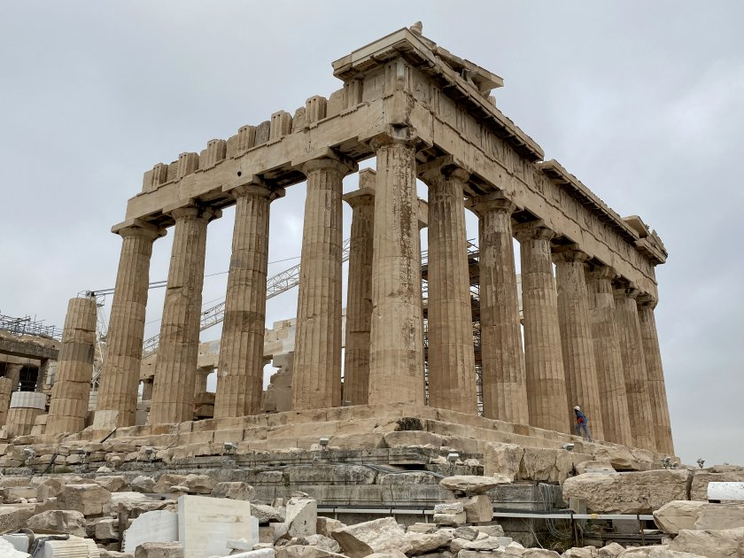 Approaching the other end of the Parthenon