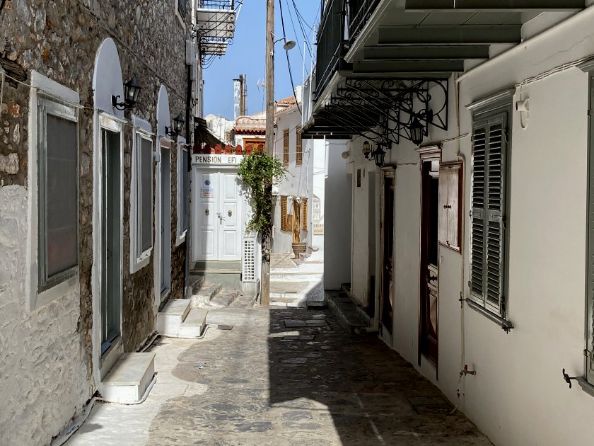 Later, we took a wander through some of the lanes of Hydra Port