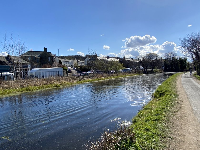 The canal briefly parallels Colinton Road
