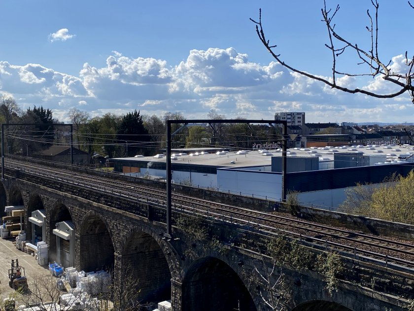 But first, here's a quick look at the railway viaduct across the Water of Leith