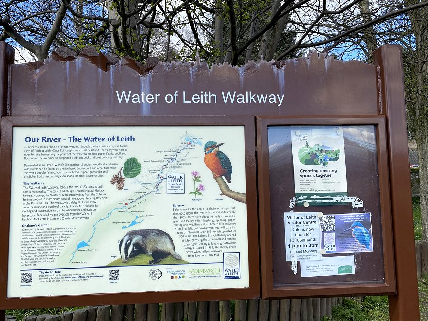Entry point to the walkway at Balerno