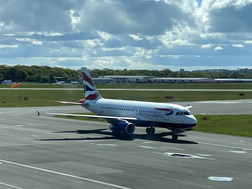 Here comes our A319