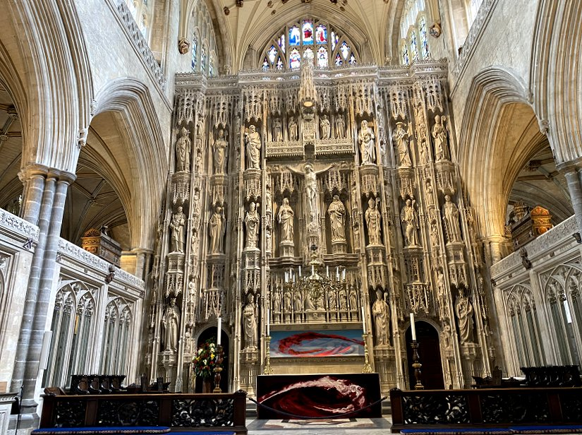 High Altar and 15th-century stone reredos