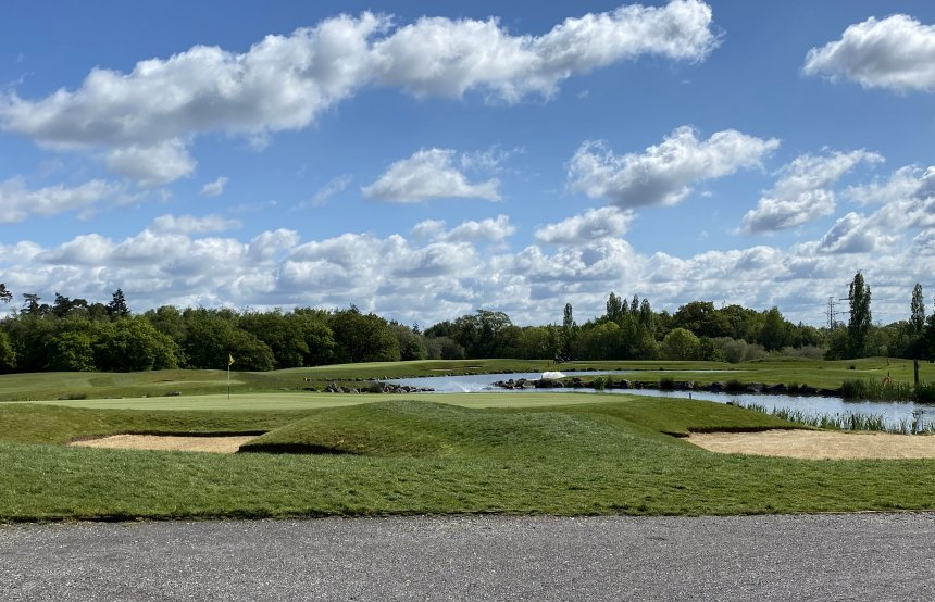 The adjacent Boundary Lakes golf course