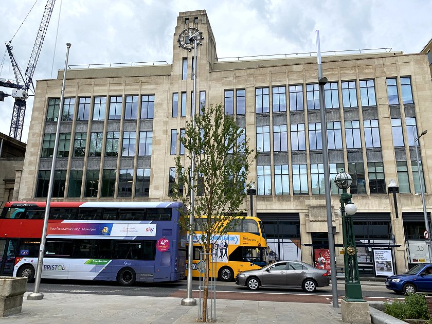 'Art Deco' façade at 33 Colston Avenue