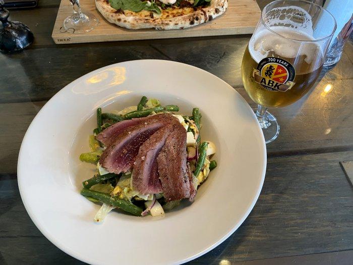 Seared tuna and Niçoise salad - yummy!