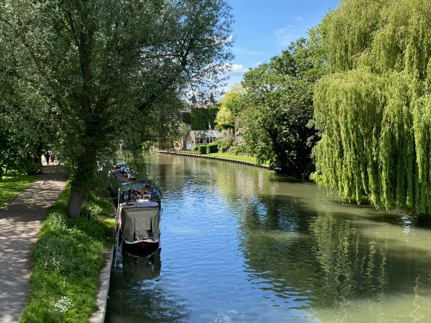 This group of photos shows our walk along the River Cam, starting at Victoria St Bridge